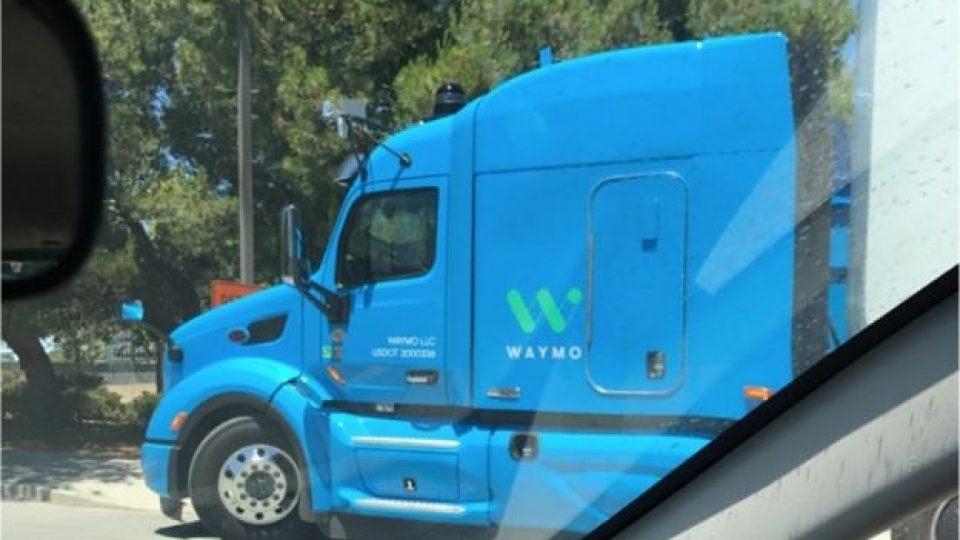 google'ın otonom kamyon görüntüleri
